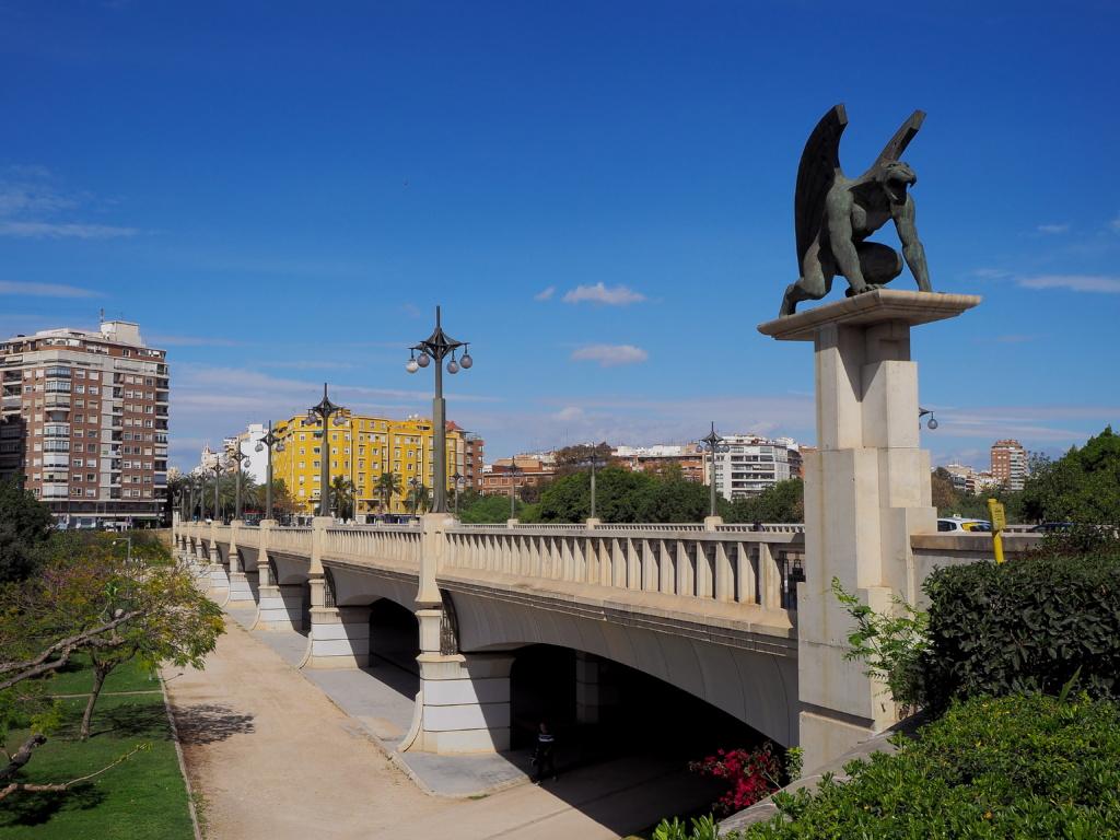 Valencia, puente de las Gárgolas