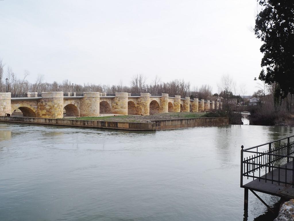 Puente de origen medieval, en San-Esteban-de-Gormaz