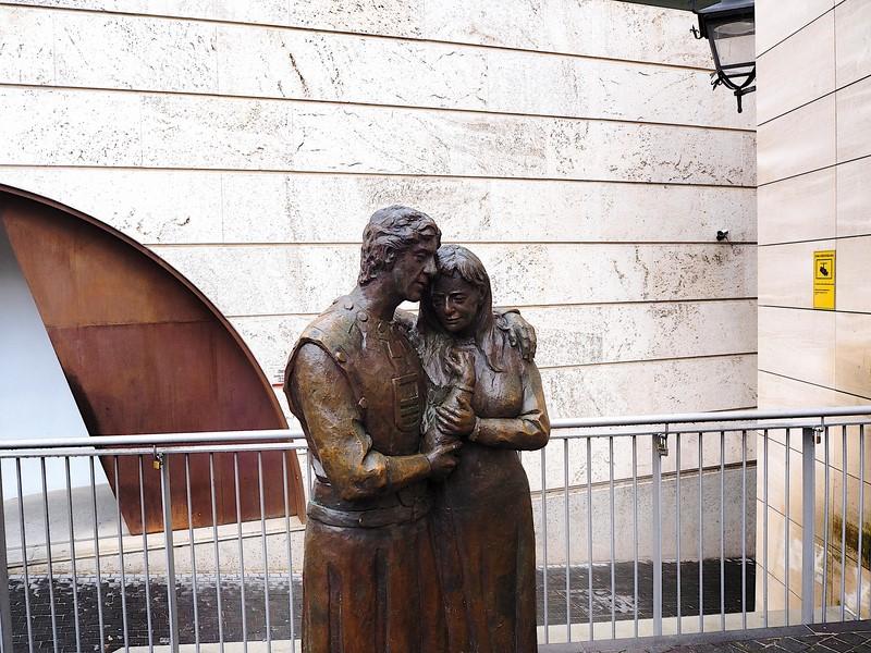 Teruel entrada a la Iglesia de San Pedro, los amantes